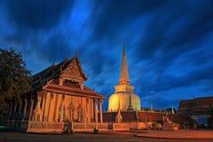 stor stupa Arkivbild