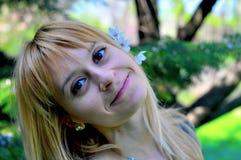 Stor tid för leende på våren Fotografering för Bildbyråer