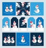 Stor uppsättning av julkort och etiketter med gulliga snögubbear stock illustrationer