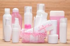 Stor uppsättning av kosmetiska produkter för skincare Royaltyfria Foton