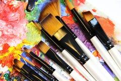 Paintbrushes och konstpalett Royaltyfri Fotografi