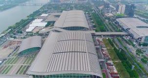 Stor utställningmitt i Kina Internationell utställning i Kina, flyg- sikt stock video
