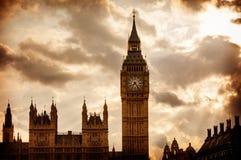 Stora Ben Clock Tower i London England Arkivbilder