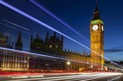 Stora Ben London England vid natt Arkivfoton