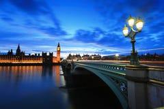 Stora Ben London på natten Royaltyfri Fotografi