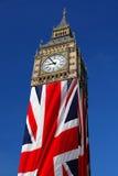 Stora Ben med flaggan, Westminster, London Royaltyfri Fotografi