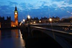 Stora Ben och hus av parlamentet på natten Fotografering för Bildbyråer