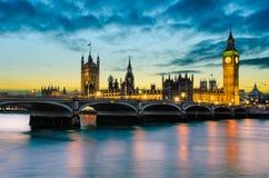Stora Ben och på solnedgången, London Arkivbild