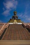 Stora Buddha på det Traiphum tempelet. Arkivfoto