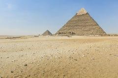 Stora egyptiska pyramider i Giza, Kairo Arkivbild