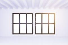 Stora fönster i ljust tömmer rum med det vita väggar och golvet Royaltyfria Bilder