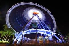 Stora Ferris Wheel som virvlar runt i Asiatique Arkivfoto