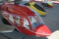 Stora fjärrkontrollhelikoptrar på flygshowen Fotografering för Bildbyråer