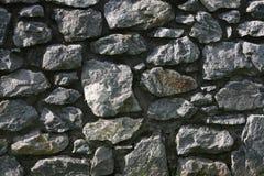 stora gråa stenar royaltyfri fotografi