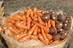 stora grönsaker för korg Royaltyfria Bilder