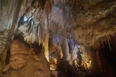Stora grottor i Boorgio Verezzi Royaltyfri Bild
