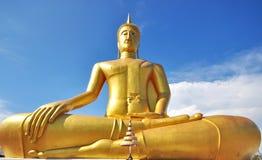 Stora guld- Buddha Arkivbild