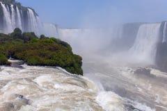 Stora Iguazu Falls Naturlig under av världen Royaltyfria Bilder