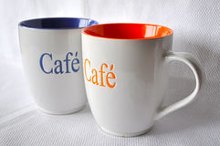 stora kaffekoppar två Arkivbild
