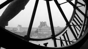 Stora klockor med roman tal i det d'Orsay museet (svart och Wh Royaltyfri Fotografi