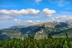 stora liggandebergberg höga poland tatras Royaltyfria Bilder