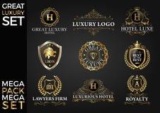 Stora Logo Template Vector Design för uppsättning för lyx kungliga och eleganta, Arkivbilder