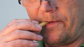 Stora munkanter äta fransman steker mannen lager videofilmer