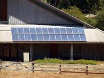 stora offentligt sol- paneler för gruppbyggnad Arkivfoton