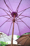 Stora paraplyer Arkivbilder