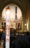Stora stearinljus av den utöver det vanliga jubileet i domkyrkan Arkivbilder