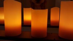 Stora stearinljus med mörk bakgrund Royaltyfri Foto