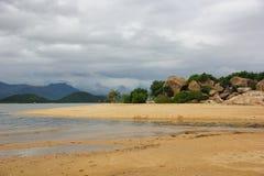 stora strandstenblock Arkivfoton
