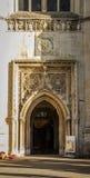 Stora Sts Mary kyrkliga dörr royaltyfri bild