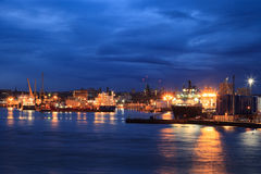 Stora tillförselfartyg i Aberdeen härbärgerar på 27 Januari 2016 Royaltyfria Foton
