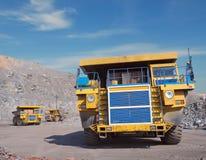 stora tre lastbilar Arkivbilder