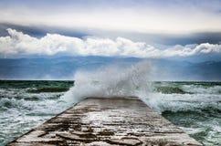 Stora vågor i havet Royaltyfri Foto