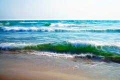 Stora vågor med vitt skum Fractalbakgrundstextur stock illustrationer
