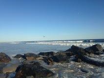 Stora vågor på den Lido stranden, Long Island Royaltyfri Foto