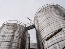 Storage tanks in oil refinery 1 Stock Images
