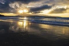 Storartad Gwithian strand i Cornwall, England Royaltyfria Bilder
