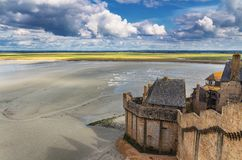 Storartad Mont Saint Michel domkyrka på ön, Normandie, nordliga Frankrike, Europa arkivfoton