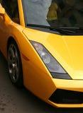 storartad yellow för bil Arkivfoton