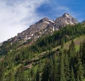 Storartade berg Arkivbilder