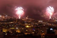 Storartade fyrverkerier för nytt år i Funchal, madeiraö, Portugal Royaltyfri Bild