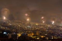 Storartade fyrverkerier för nytt år i Funchal, madeiraö, Portugal Arkivfoton