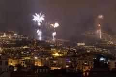Storartade fyrverkerier för nytt år i Funchal, madeiraö, Portugal Royaltyfria Foton