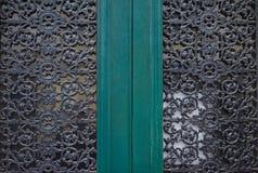 storartade smidesjärnportar, dekorativt smide, falsk eleme arkivfoto
