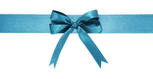 Storartat blått tygband och pilbåge bakgrund isolerad white Royaltyfri Fotografi