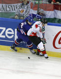 Storbritannien vs. för världsmästerskap för Ungern IIHF matt ishockey Arkivbilder