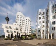 Storbystade arkitekturer i Dusseldorf Royaltyfri Bild